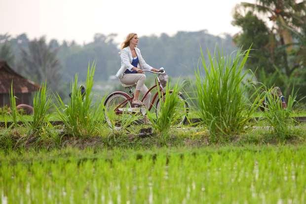 Julia Roberts sedang menikmati indahnya Kawasan Ubud Foto : Istimewa